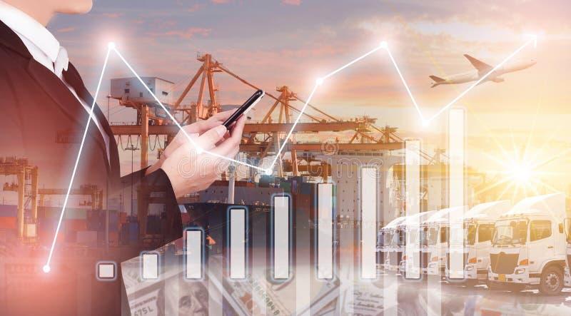 Veelvoudige blootstelling van zaken die, logistiek, de industrieachtergrond globaal verschepen royalty-vrije stock foto