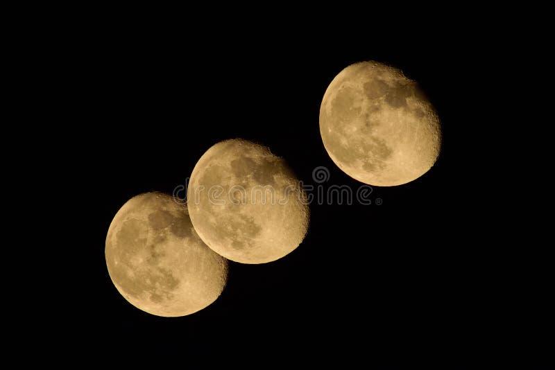 Veelvoudige die blootstelling van de maan wordt geschoten stock afbeelding