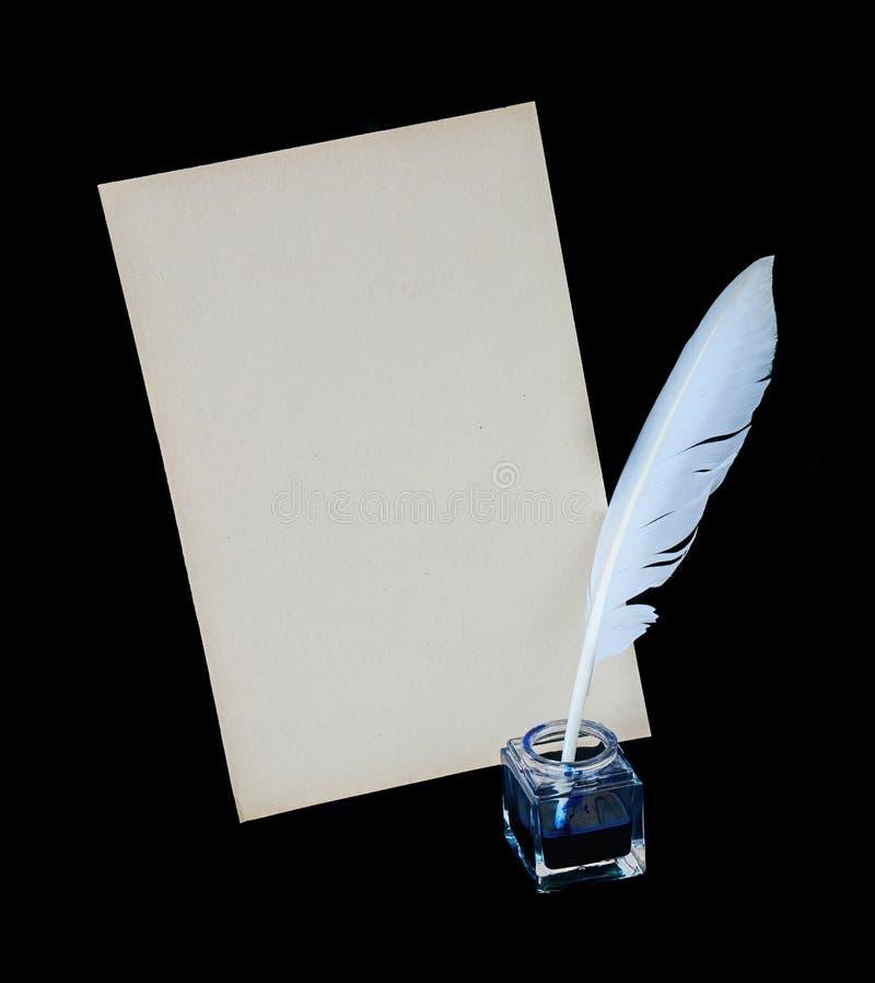 Veer, inkt en blad van oud document stock afbeeldingen