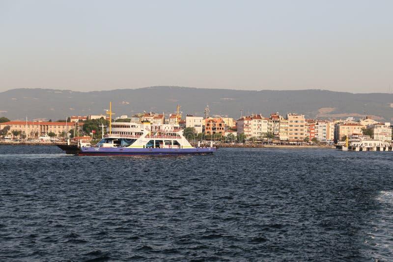Veerboot in Canakkale stock foto's