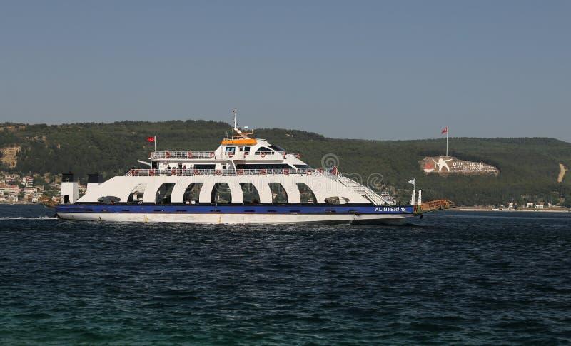 Veerboot in Canakkale royalty-vrije stock afbeeldingen