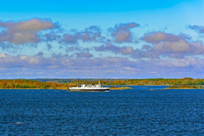 Veerboot in de Aland-archipel royalty-vrije stock fotografie