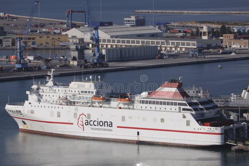 Veerboot in de haven van Malaga royalty-vrije stock afbeelding
