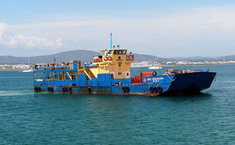 Veerboot die naar Culatra Portugal gaan royalty-vrije stock foto