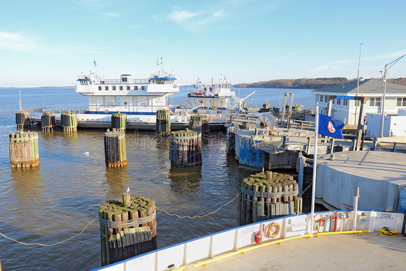 Veerboot jamestown-Schotland in Surrey, Virginia royalty-vrije stock foto's