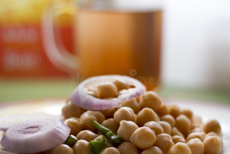 Veg-Salat mit Tee stockfotografie