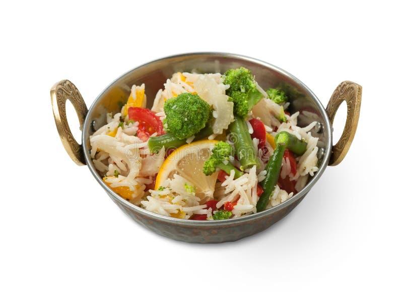 Vegano y plato indio vegetariano de la cocina, arroz picante con las verduras fotos de archivo