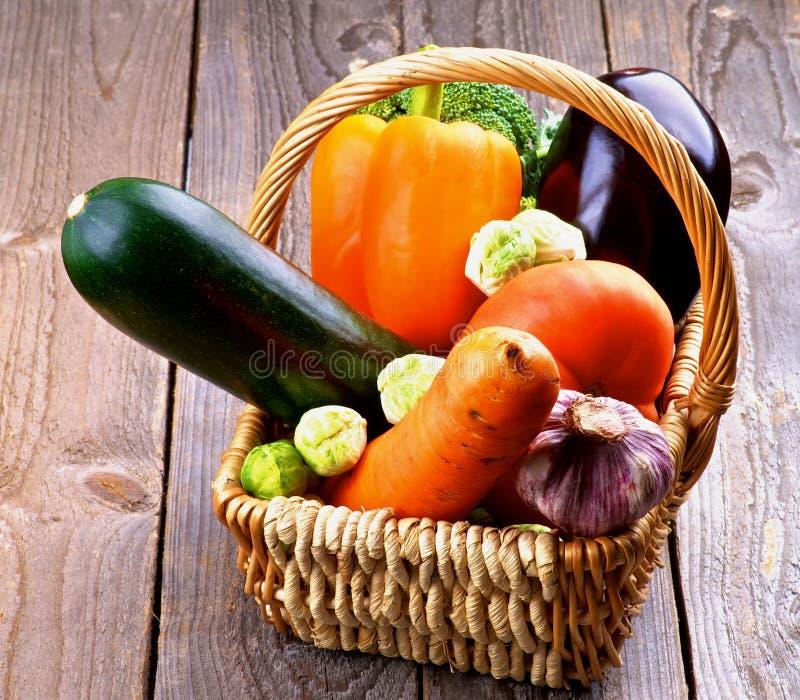 Vegetable корзина стоковые изображения rf