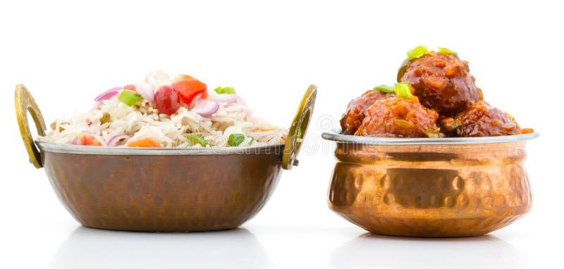 Vegetable Manchurian и жареные рисы стоковые изображения rf