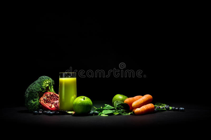 Vegetable smoothie на черноте стоковые изображения