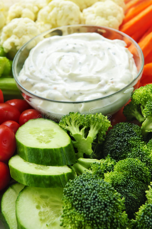 Free Vegetables And Dip Royalty Free Stock Photo - 10635845