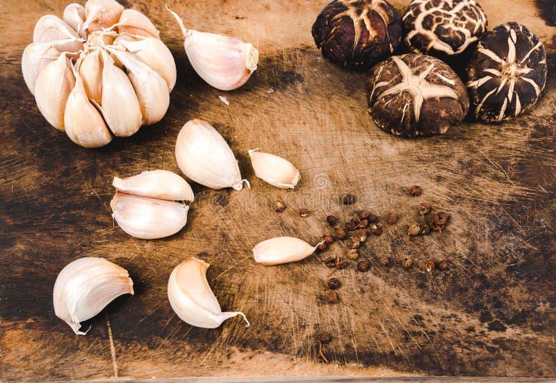 Vegetais, cogumelos e especiarias foto de stock royalty free