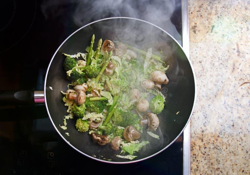 Vegetais da fritada do Stir foto de stock