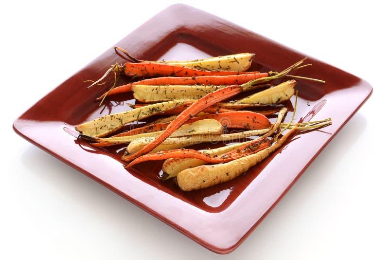 Vegetais de raiz Roasted fotografia de stock royalty free