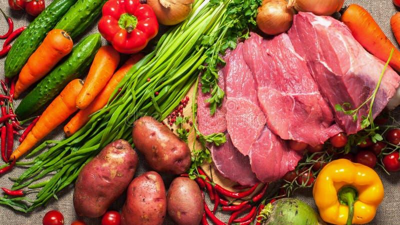Vegetais e carne fotografia de stock royalty free