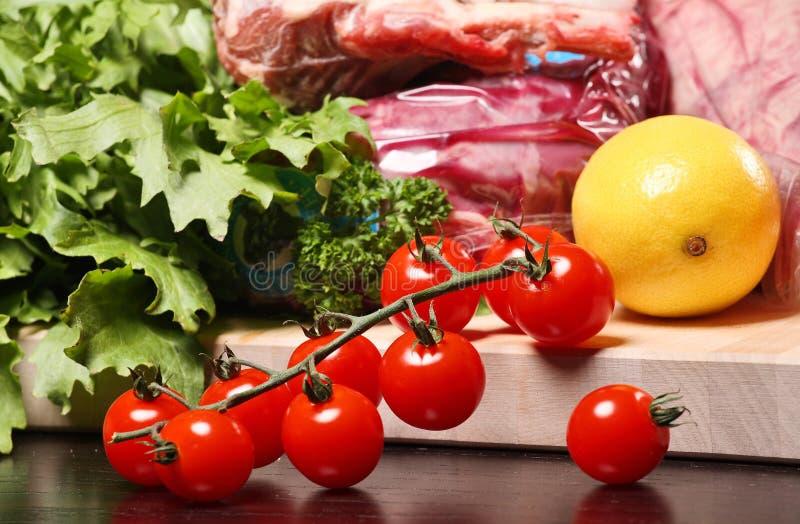 Vegetais e carne diferentes imagens de stock