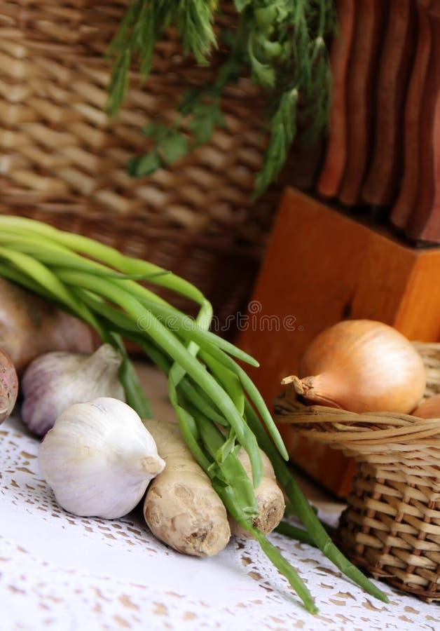 Download Vegetais E Ervas Antes De Cozinhar Foto de Stock - Imagem de preparação, perfumado: 12805562