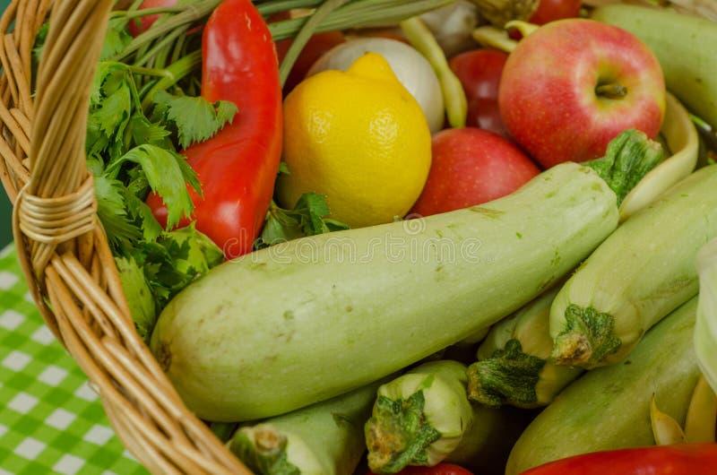 Vegetais e frutas imagens de stock royalty free