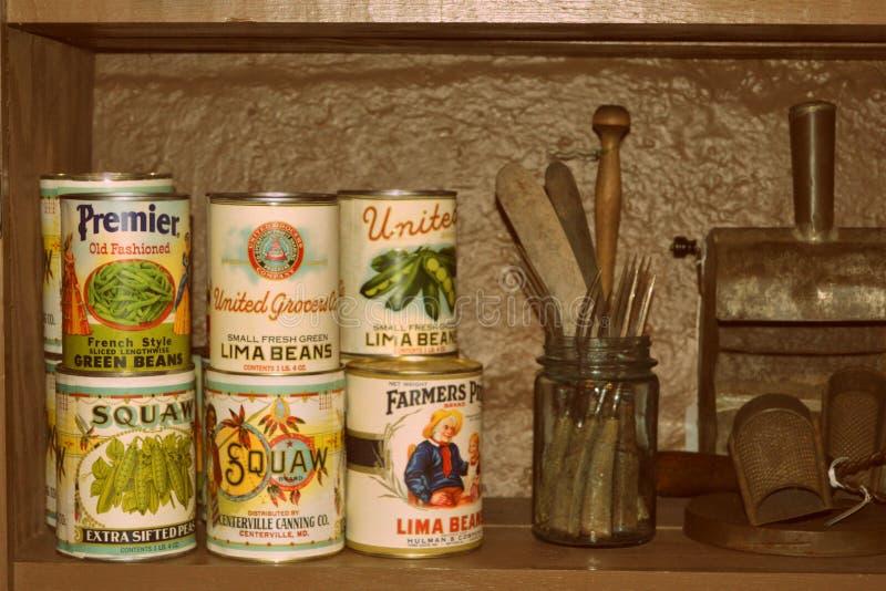 Vegetais enlatados antiguidade fotos de stock