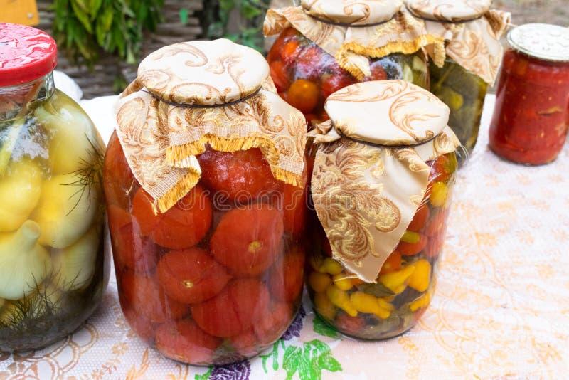 Vegetais enlatados casa imagem de stock royalty free