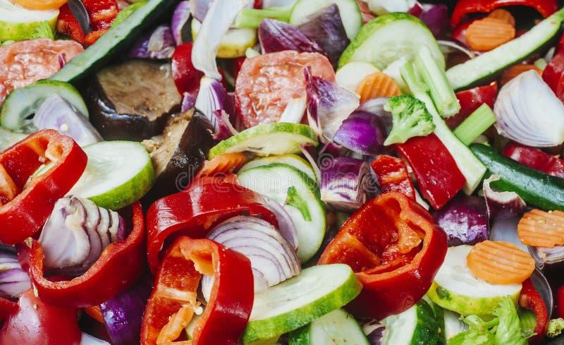 Vegetais fritados Fritada da agitação do frigideira chinesa do vegetariano fotos de stock