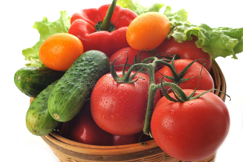 Vegetais na cesta fotos de stock royalty free