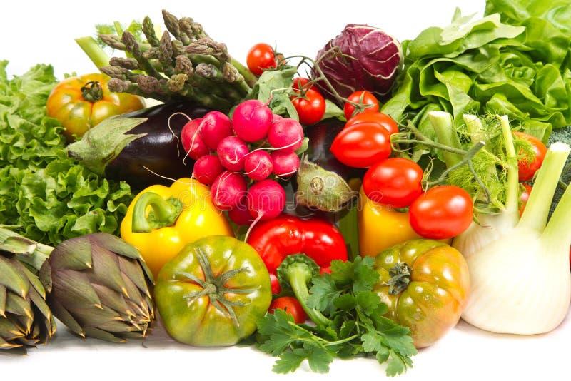 Vegetais na cesta fotos de stock