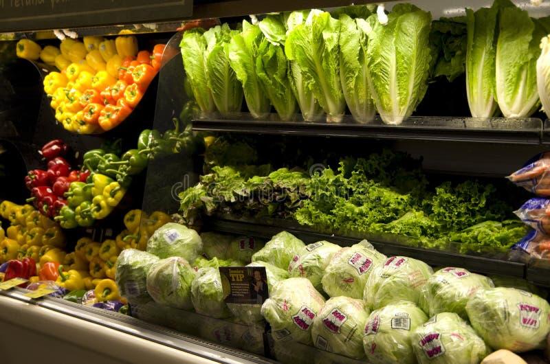Vegetais na mercearia foto de stock