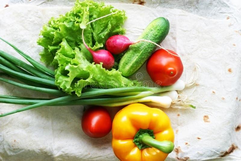 Vegetais para a salada imagens de stock royalty free