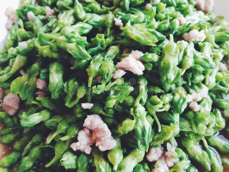 Vegetal com alimento triturado da marca imagens de stock royalty free