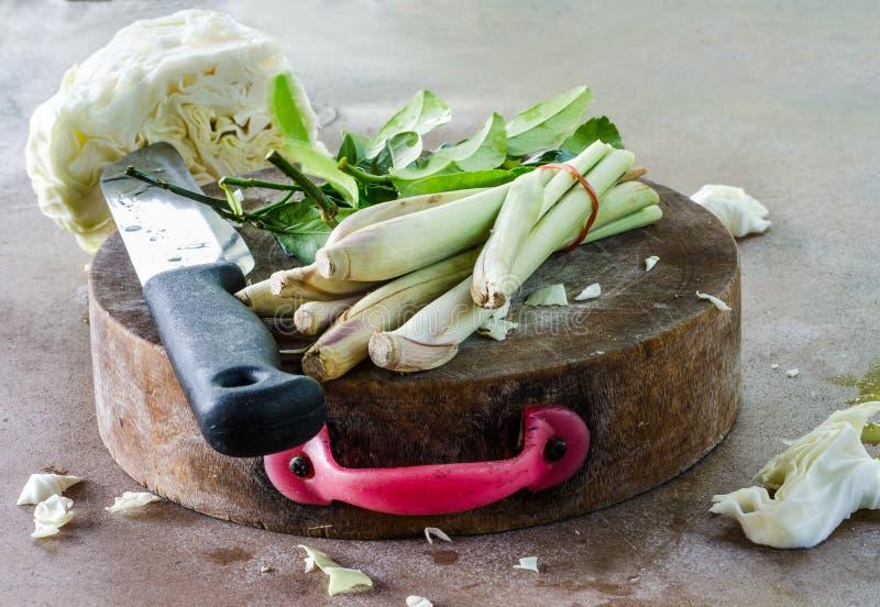 Vegetal no trencher imagem de stock