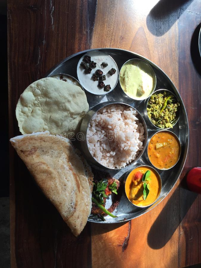 Vegetarian Thali - indisk mat arkivfoton