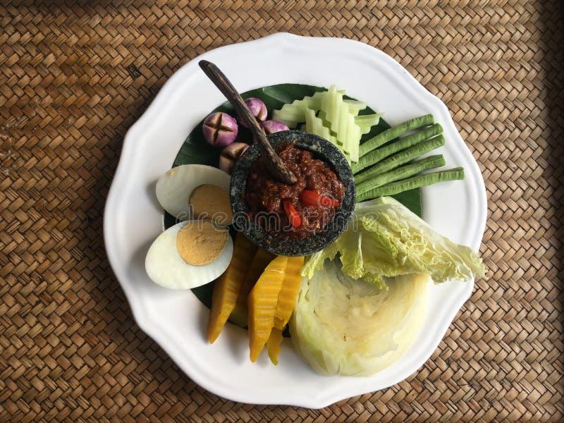 Vegetariano da mistura com prato picante imagem de stock royalty free