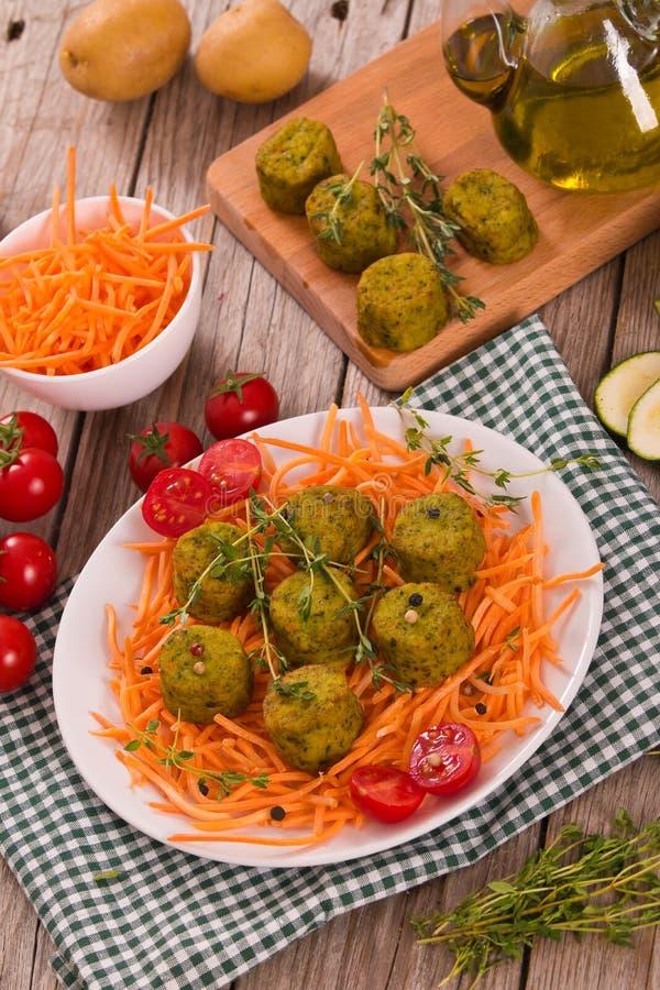 Vegetarische Fleischklöschen lizenzfreie stockbilder