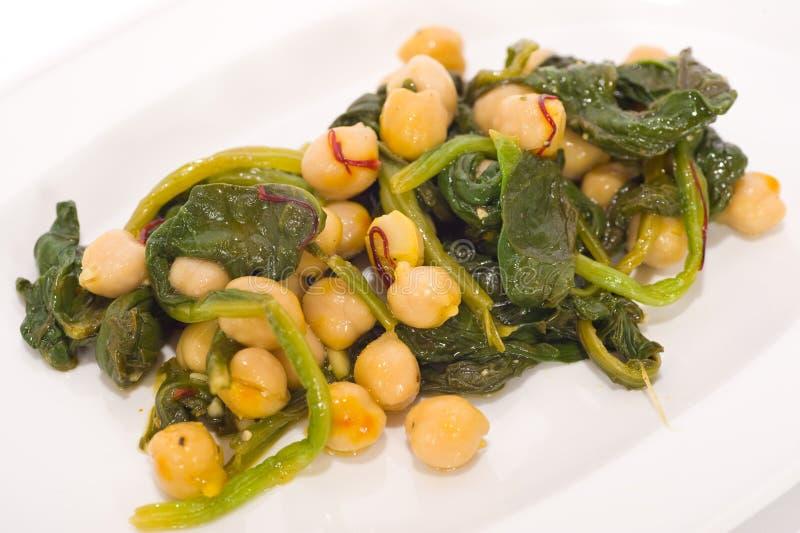 Vegetarische Mahlzeit des Kichererbsesalats lizenzfreie stockfotografie