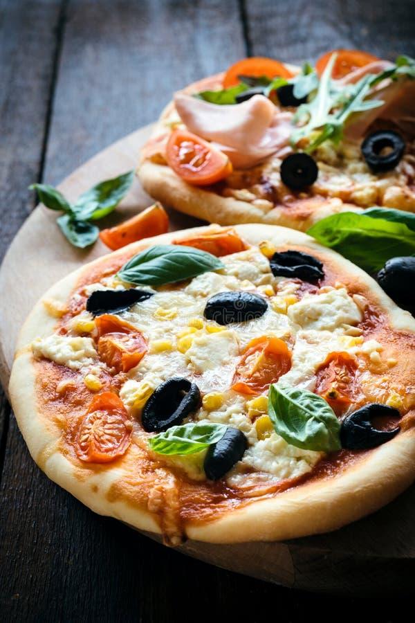 Vegetarische minipizza royalty-vrije stock afbeeldingen
