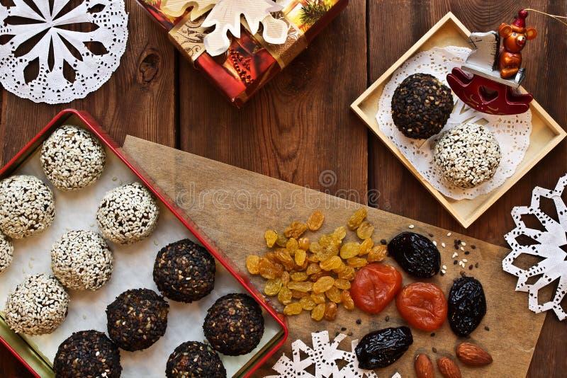 Vegetarische Nahrungsmittel festliche neues Jahr ` s Tabelle lizenzfreie stockbilder