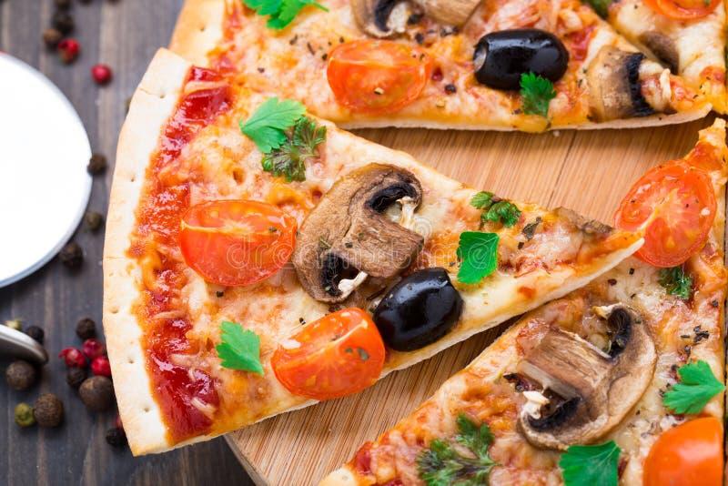 Vegetarische Pizza stockfotos