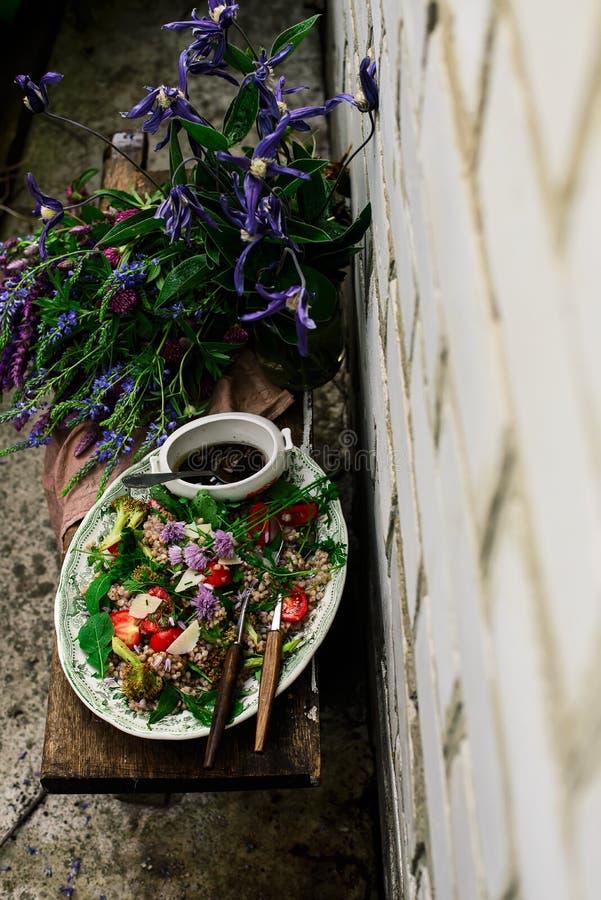 Vegetarische salade van groen boekweit royalty-vrije stock fotografie