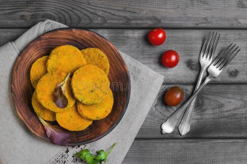 Vegetarische voedsel plantaardige koteletten royalty-vrije stock foto's