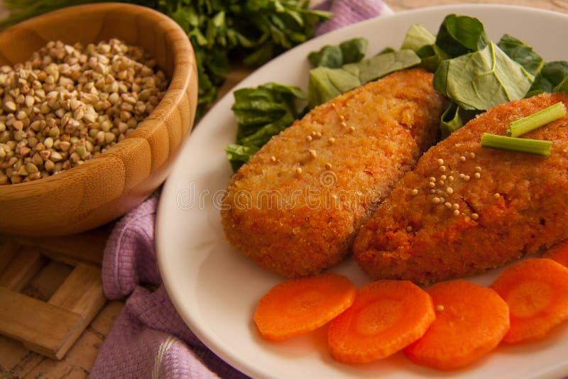 Vegetarische wortelpannekoeken royalty-vrije stock afbeelding