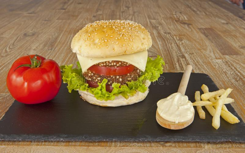 Vegetarisk hamburgare royaltyfria foton