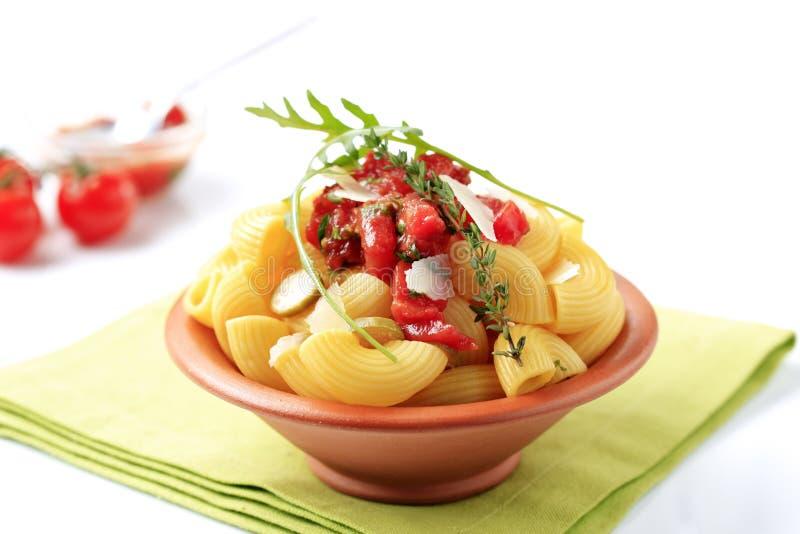 Vegetarisk pastamaträtt fotografering för bildbyråer