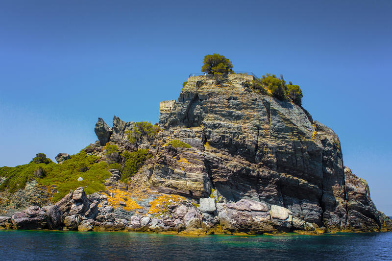Download Vegetated Sea Cliff Royalty Free Stock Images - Image: 35197239
