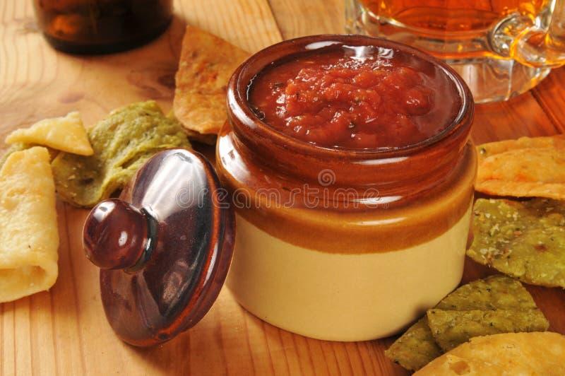 Download Veggie Tortillaspaanders En Salsa Stock Afbeelding - Afbeelding bestaande uit kleurrijk, rustic: 39116069