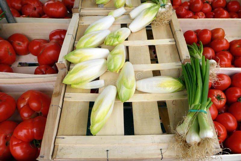 Vegtables bij landbouwersmarkt, Frankrijk stock foto's