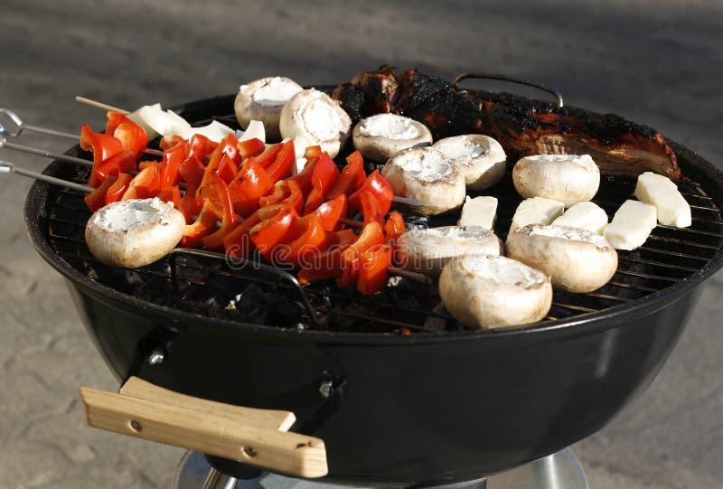 Vegtables sur le BBQ image stock