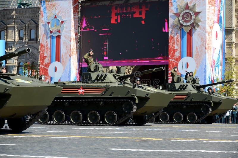 """Vehículo de combate del †de BMD-4M el"""" del aerotransportado es un vehículo de lucha IFV de la infantería anfibia imagenes de archivo"""