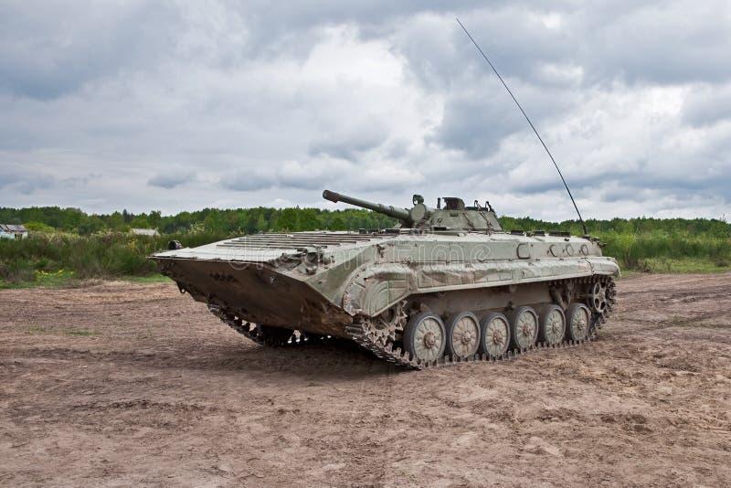 Vehículo de lucha de la infantería que ataca foto de archivo