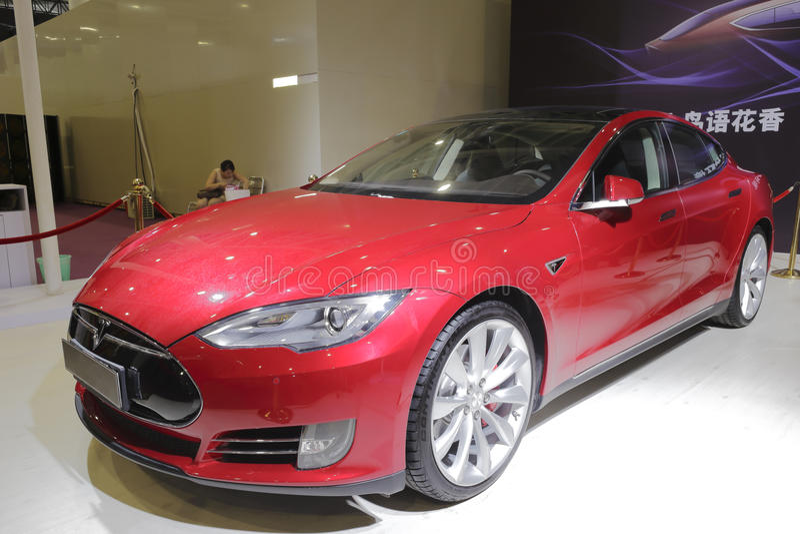 Vehículo eléctrico puro del modelo s de Tesla imágenes de archivo libres de regalías